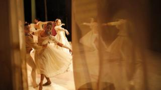 """Ballet dancers from the Joburg Ballet perform during the final dress rehearsal of """"Cinderella"""" at the Civic Theater in Johannesburg, South Africa, 29 September 2016"""