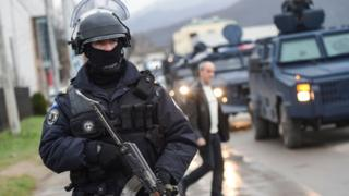 Kosova polisi (arşiv)