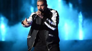Recording artist Drake performs onstage at the 2016 iHeartRadio Music Festiva