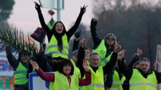 متظاهرو السترات الصفراء في فرنسا