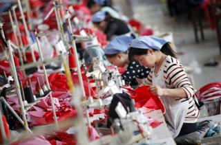 中國製衣廠女工