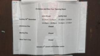 Closure notice on toilets at John Street, Porthcawl