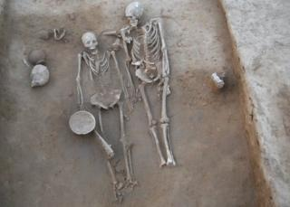 The skeleton of the couple