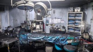 اتاق عمل کلینیک پزشکی سینا اطهر پس از وقوع انفجار کپسولهای اکسیژن