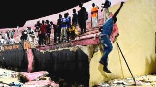 Un pan du mur de la tribune du stade Demba Diop de Dakar s'était effondré lors de la finale de la Coupe de la Ligue faisant 8 morts sur le coup.