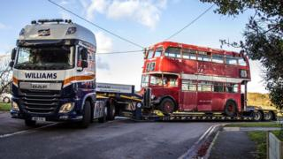 1949 bus returns to Oxford