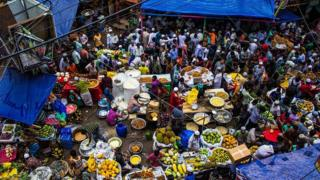 Chawkbazar is situated in old Dhaka which is the oldest and most popular place for the traditional Iftar market