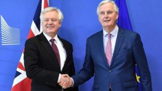 David Davis ve Michel Barnier