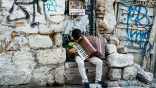 Street musician in Athens