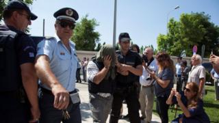 Yunanistan'daki firari askerler.