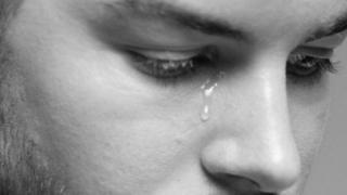 Chris Hughes with tears wey dey comot for im eye