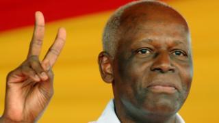 Prezida Jose Eduardo dos Santos mu 2008
