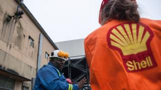 Shell oil workers in Nigeria