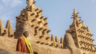 المسجد الكبير في جنيه في مالي