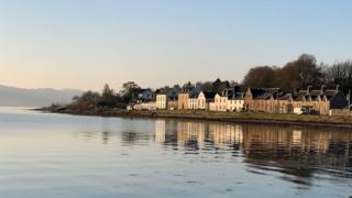 Houses by the sea at Inveraray