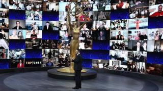 El escenario de los premios Emmy