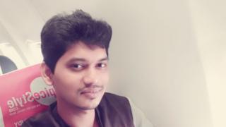 காஷ்மீர் கல்வீச்சு: இறந்த தமிழ் இளைஞரின் உடலுக்கு பலரும் அஞ்சலி
