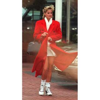 В 1996 году папарацци подкараулили Диану, только что вышедшую из фитнес-клуба