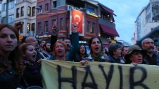 Beşiktaş'ta düzenlenen protesto
