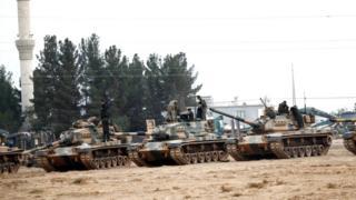 Tanklar Karkamış'ta.