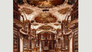 مكتبة دير سانت غال - سانت غالن، سويسرا