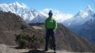 Richard Parks in front of Everest