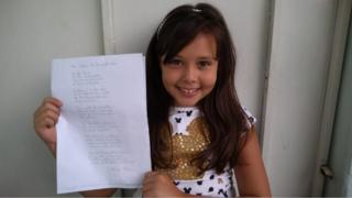 Helena Silva, de 10 anos, ficou emocionada com o trabalho dos bombeiros de Brumadinho e escreveu uma poesia em sua homenagem