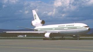 Nigeria Airways plane dey tarmac