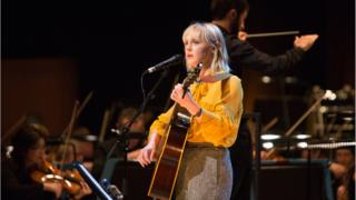 Laura Marling with the BBC Scottish Symphony Orchestra at the Opening Concert (Credit Alan McAteer)