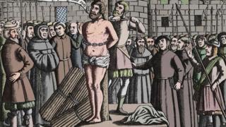 """""""Dios ábrele los ojos al rey de Inglaterra"""", ruega Tyndale antes de que prendieran el fuego que lo consumió."""