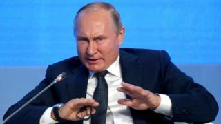 لماذا يعارض الرئيس الروسي نشطاء البيئة الشباب؟