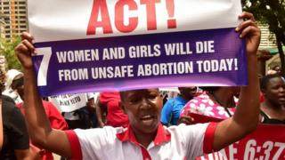 Pipo wey dey protest against abortion ban