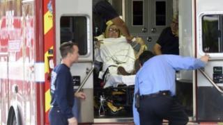 ผู้ได้รับบาดเจ็บถูกนำตัวส่งโรงพยาบาลในบริเวณใกล้เคียง