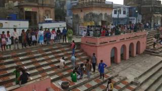 अयोध्या में सरयू नदी का घाट