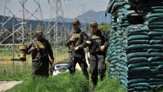 Policeman patrol area attacked in Bogota