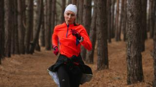 Бегунья Елена Нечаева