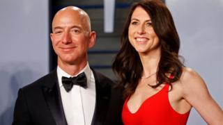 Развод с Маккензи Безос пока не сказался на состоянии самого богатого человека планеты