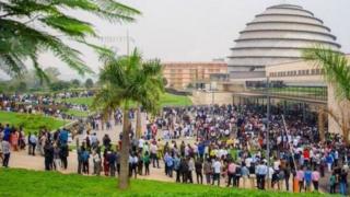 Maelfu ya vijana walifika katika ukumbi wa Kigali Convention Centre kupata mafunzo fe