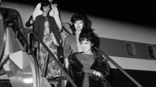 Bà Trần Lệ Xuân và con gái Ngô Đình Lệ Thủy thăm Mỹ khi xảy ra vụ đảo chánh tháng 11/1963