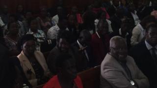 Jamaa na marafiki za raia wa Sudan wakiwa mahakamani