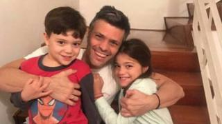 Leopoldo López con sus hijos