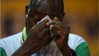 Cyril Ramaphosa n nu oju rẹ