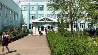 Здание гимназии №7, где старшеклассник, вооруженный пневматическим пистолетом и ножом, удерживал одноклассников в одном из кабинетов