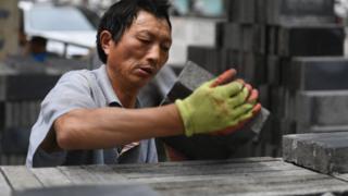 Les mesures du Le gouvernement chinois contre l'endettement génèrent une bulle spéculative dans l'immobilier.