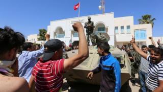 احتجاجات في تونس للمطالبة بفرص عمل