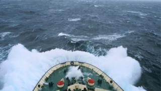 O que é a Passagem de Drake, complexa zona marítima onde avião militar chileno desapareceu