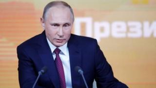 Орусиянын президенти Владимир Путин алдыдагы шайлоодо талапкерлигин өзүн-өзү көрсөтөт. Бул тууралуу жыл жыйынтыктаган басма сөз жыйынында билдирди.
