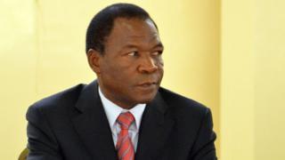 François Compaoré fait l'objet d'un mandat d'arrêt international émis par le gouvernement burkinabè.