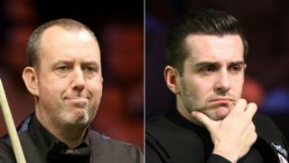 Mark Williams (l) and Mark Selby