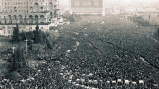 Дом правительства и площадь Ленина в Баку. После обретения независимости - площадь Свободы.